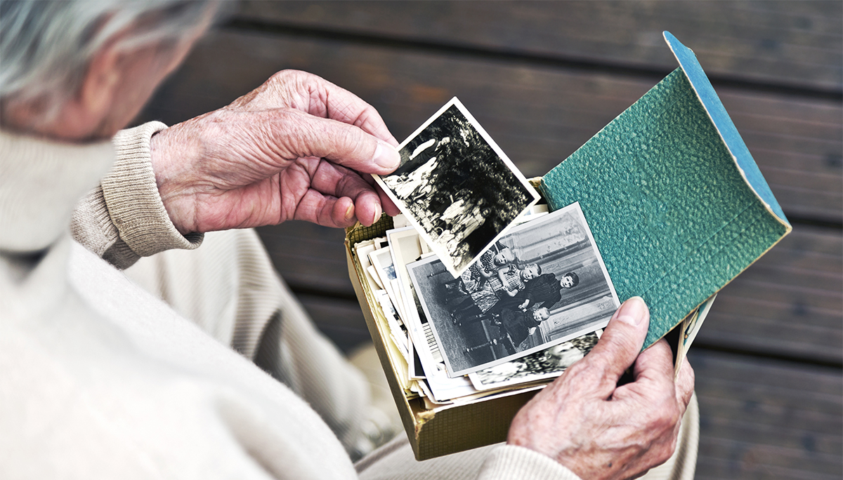Alzheimer - cauze, simptome, diagnostic si tratament | Neuroaxis