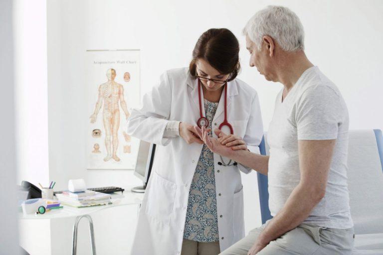 servicii consultatii si investigatii reumatologie